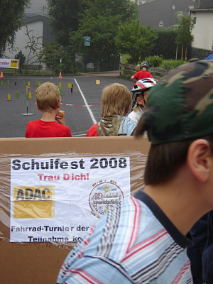 dtgs_schulfest_2008_3.jpg